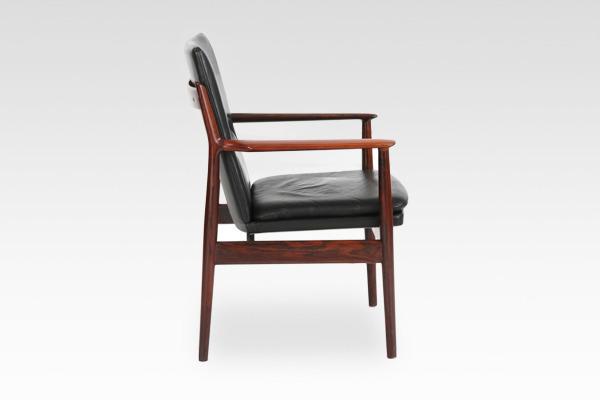 Arne Vodder  Armchair.model 431 Brazilian rosewood  Sibast (4).jpg