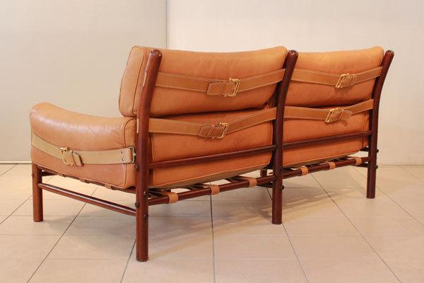 ArneNorell-2seater-sofa-04.jpg