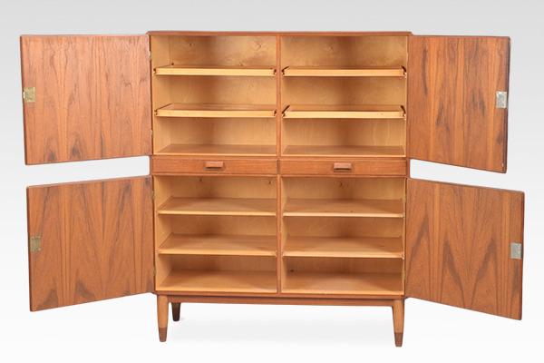 Borge Mogensen  Cabinet  Soborg Mobler (1).jpg