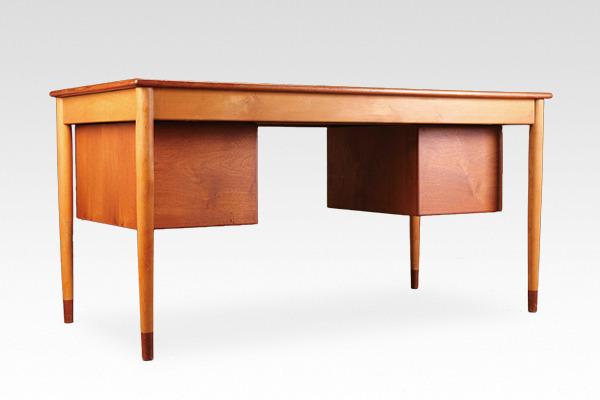 Borge Mogensen  Desk  Soborg Mobler (2).jpg