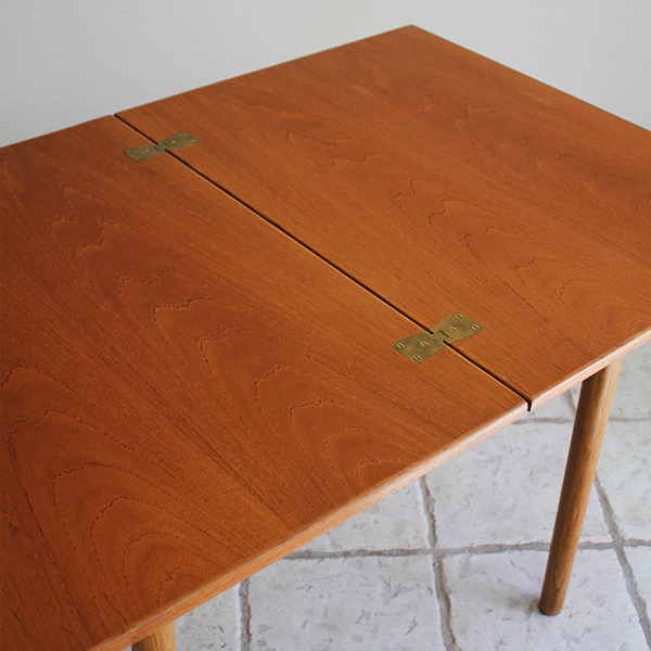 Borge Mogensen  Folding table  FDB (4).jpg