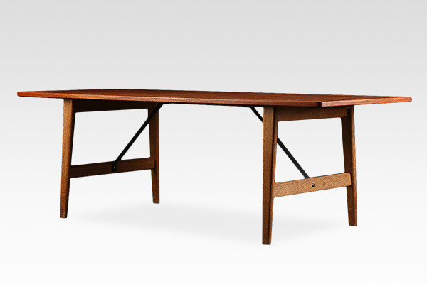 Borge Mogensen  Hunting table .model158  Soborg Mobler (1).jpg