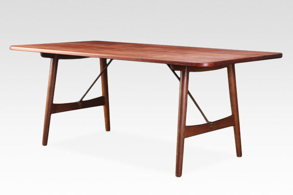 Borge Mogensen  Hunting table  Soborg Mobler (2).jpg