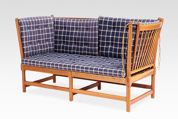 Borge Mogensen  Spoke back Sofa. model 1789  Fritz Hansen (1).jpg
