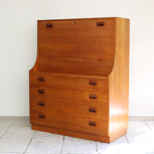 Borge Mogensen  Writing desk .teak  Soborg Mobler (9).jpg