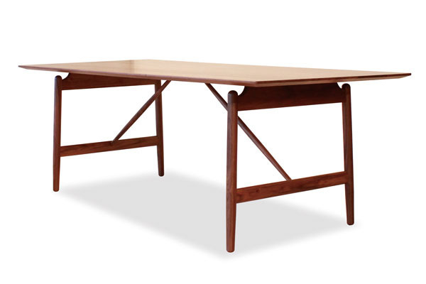 Caja dining-table-01.jpg