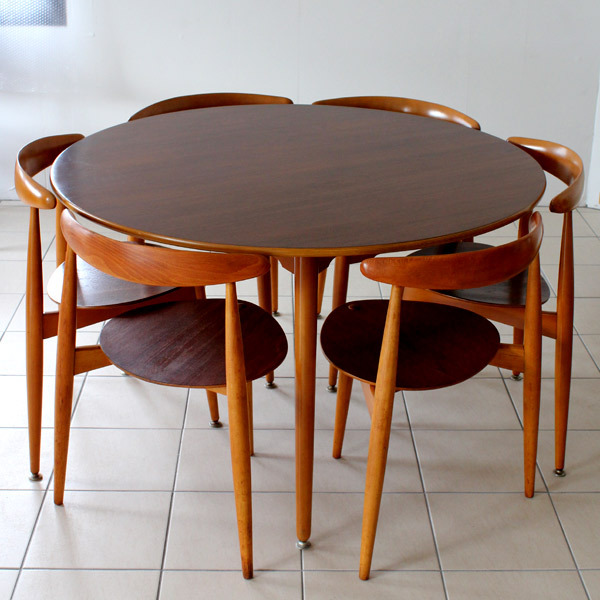 ウェグナー ハートテーブル&ハートチェアー 02.jpg
