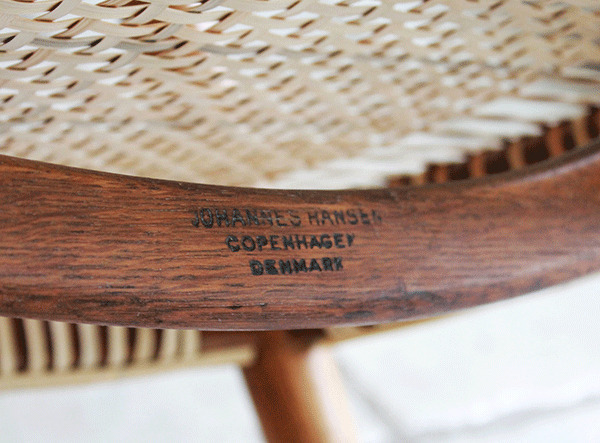 ウェグナーーHans-J.-Wegner-The-chair-07.jpg