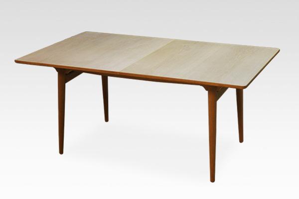ダイニングテーブル. AT-310 Andreas Tuck (2).jpg