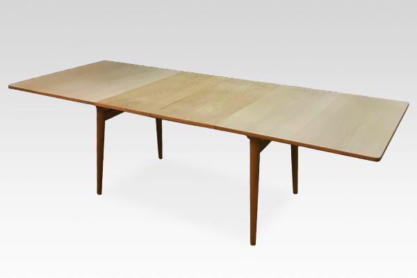ダイニングテーブル. AT-310 Andreas Tuck (3).jpg