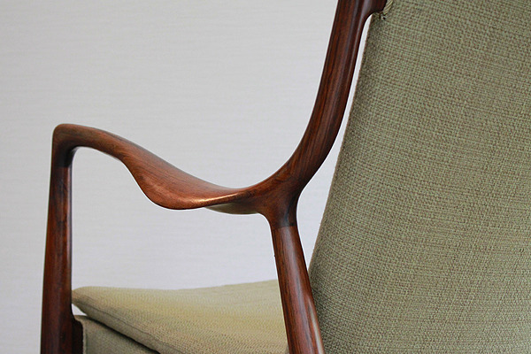 Finn-Juhl--Easy-chair.-NV45-Rosewood--Niels-Vodder-06.jpg