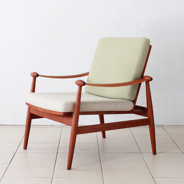 Finn-Juhl--Spade-chair-FD133-02.jpg