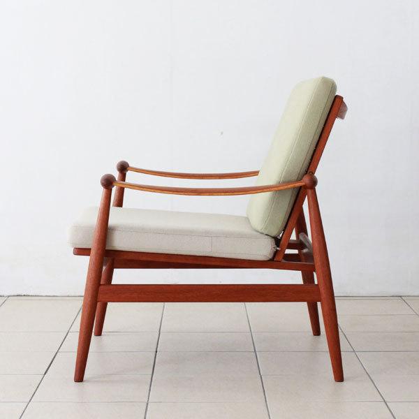 Finn-Juhl--Spade-chair-FD133-03.jpg