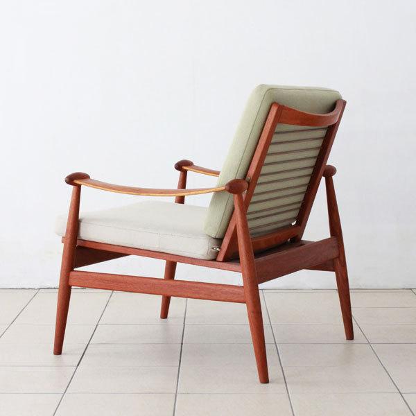 Finn-Juhl--Spade-chair-FD133-04.jpg