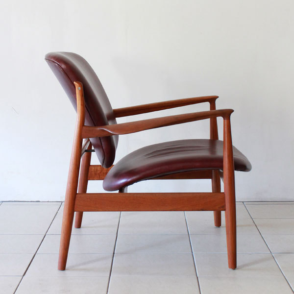 Finn-Juhl-Easy-chair-FD136-04.jpg