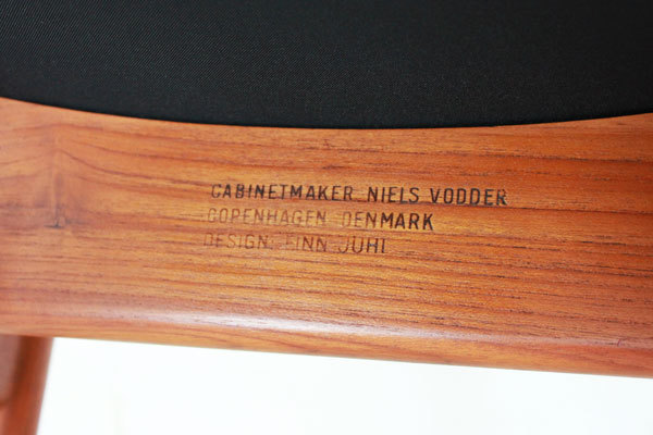 Finn-Juhl-Egyptian-Chair-teak-08.jpg