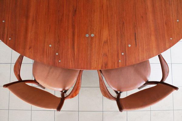 Finn-Juhl-Judus-table-and-BO72-01.jpg