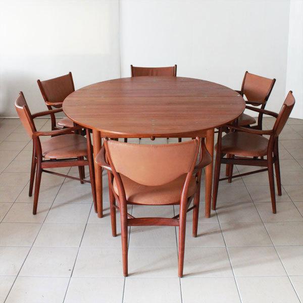 Finn-Juhl-Judus-table-and-BO72-02.jpg