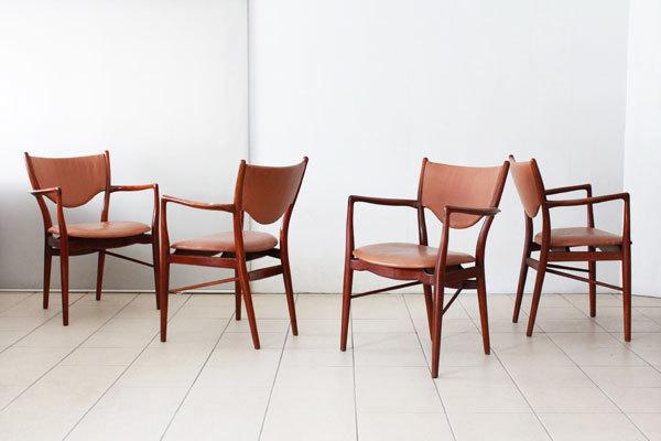Finn-Juhl-Judus-table-and-BO72-04.jpg