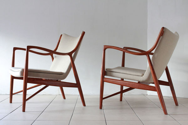 Finn-Juhl-Pair-of-NV45-chairs-01.jpg