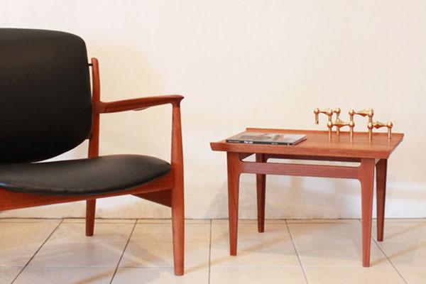 Finn-Juhl-Side-table-01.jpg