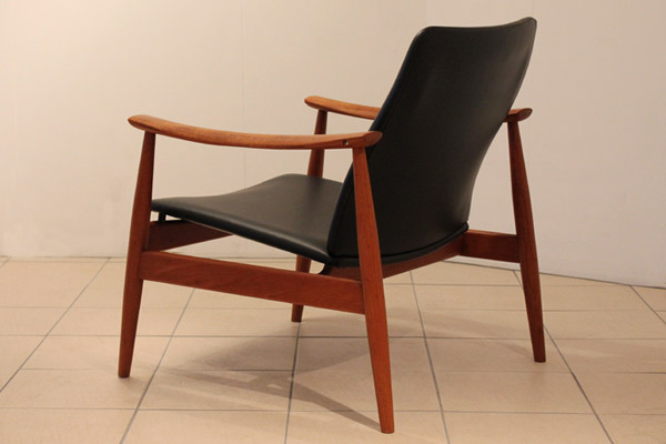 Finn-Juhl-easy-chair-01.jpg