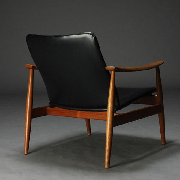 Finn-Juhl-easy-chair-04.jpg