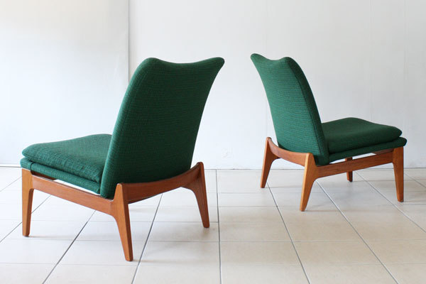 Finn-Juhl-pair-of-easy-chairs-03.jpg