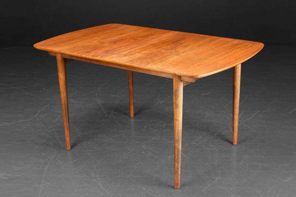 Finn-juhl-Dining-table-01.jpg