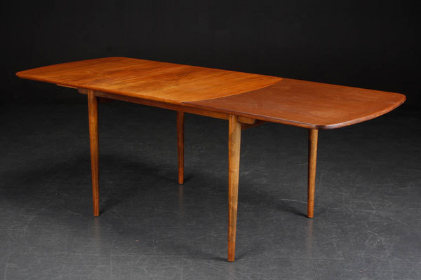 Finn-juhl-Dining-table-02.jpg