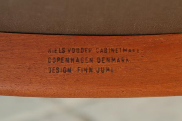 Finn Juhl  Armchiar NV46  Niels Vodder (1).jpg