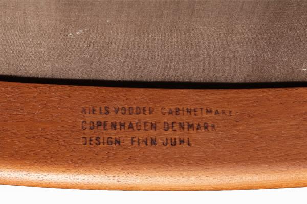 Finn Juhl  Armchiar NV46  Niels Vodder (4).jpg