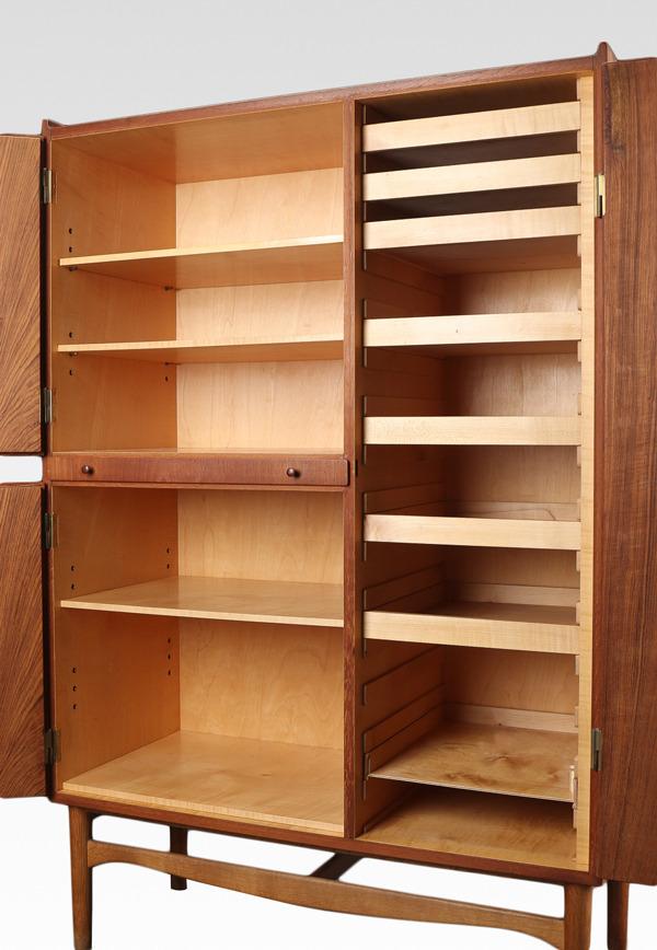 Finn Juhl  Cabinet  Bovirke (1).jpg