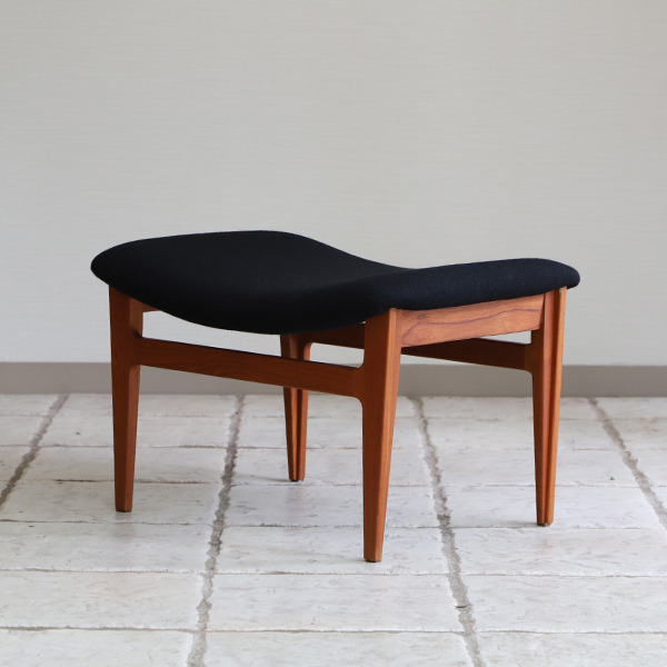 Finn Juhl  Easy chair. FD-138  & ottoman France and son (12).jpg