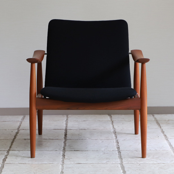 Finn Juhl  Easy chair. FD-138  & ottoman France and son (17).jpg