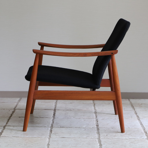 Finn Juhl  Easy chair. FD-138  & ottoman France and son (7).jpg