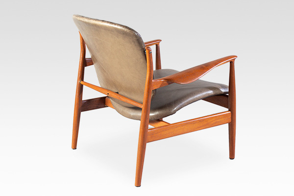 Finn Juhl  Easy chair. FD136  France & Son (2).jpg