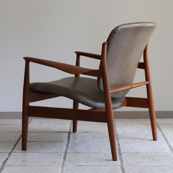 Finn Juhl  Easy chair. FD136  France & Son (3).jpg