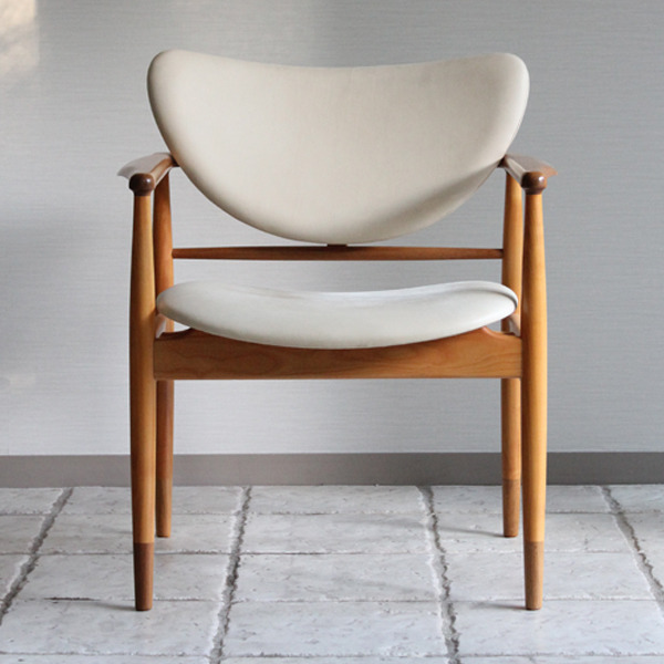 Finn Juhl  Easy chair. NV48  Niels Roth Andersen-02.jpg