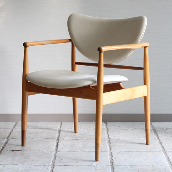 Finn Juhl  Easy chair. NV48  Niels Roth Andersen-03.jpg