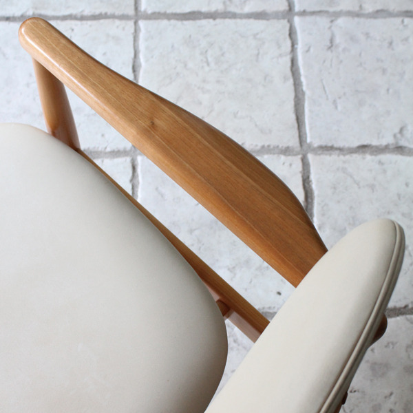 Finn Juhl  Easy chair. NV48 Niels Roth Andersen-07.jpg