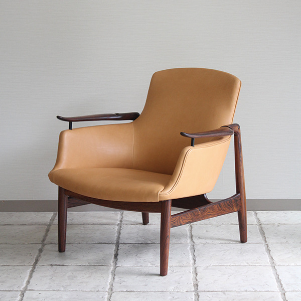 Finn Juhl  Easy chair. NV53 Rosewood Niels Vodder-1 (10).jpg