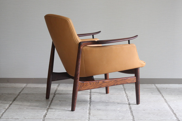 Finn Juhl  Easy chair. NV53 Rosewood Niels Vodder-1 (3).jpg