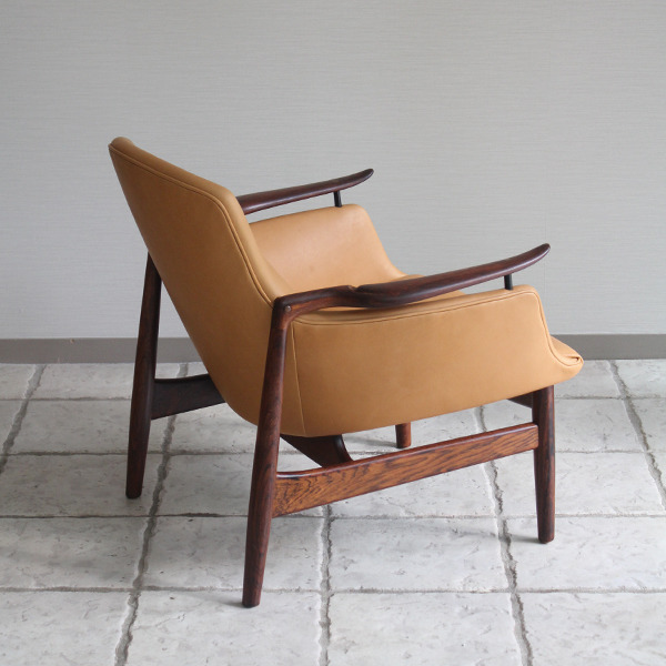 Finn Juhl  Easy chair. NV53 Rosewood Niels Vodder-1 (7).jpg