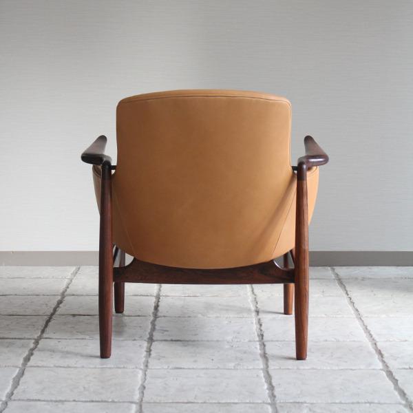 Finn Juhl  Easy chair. NV53 Rosewood Niels Vodder-2 (5).jpg