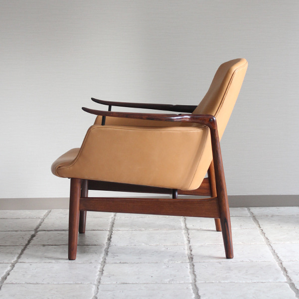 Finn Juhl  Easy chair. NV53 Rosewood Niels Vodder-2 (8).jpg