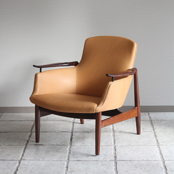 Finn Juhl  Easy chair. NV53 Rosewood Niels Vodder-2 (9).jpg