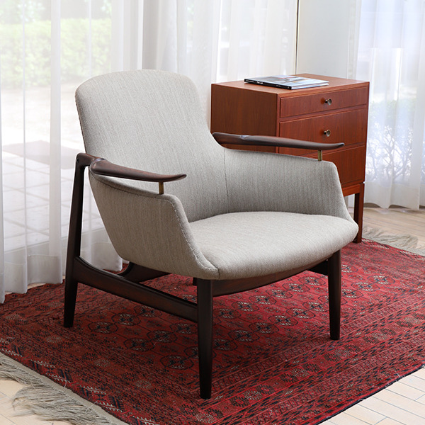 Finn Juhl  Easy chair. NV53 Rosewood Niels Vodder (1).jpg