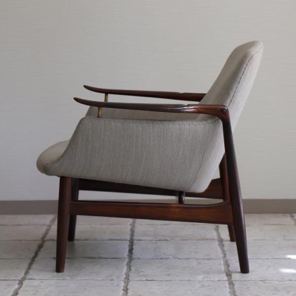 Finn Juhl  Easy chair. NV53 Rosewood Niels Vodder (6).jpg