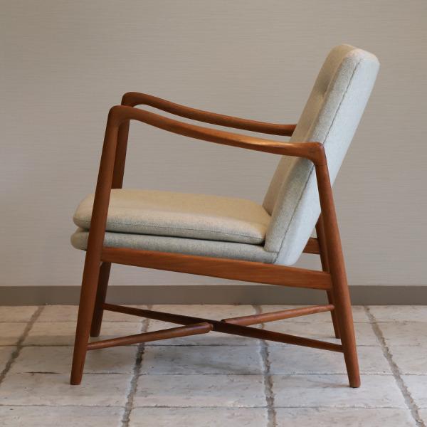 Finn Juhl  Fireplace Chair. BO 59  Bovirke (2).jpg